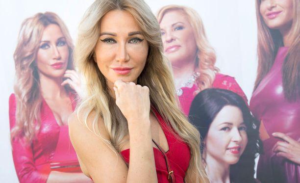 Sofia Kazakov on kuluttanut ahkerasti käräjäoikeuden penkkejä.