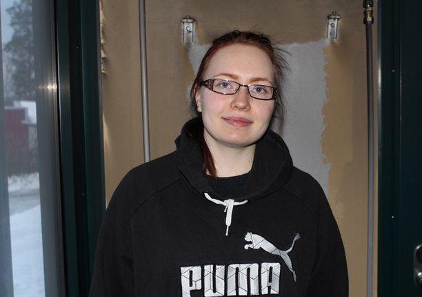 Talossa noin kaksi vuotta asunut Tiia Nevalainen on huolissaan.