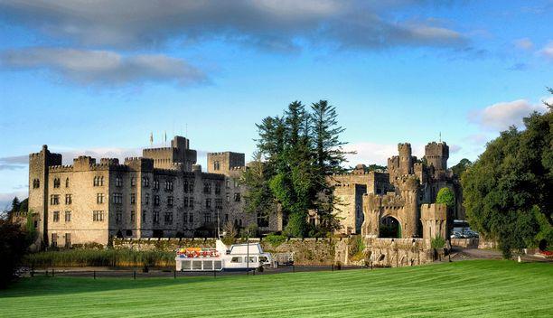 Ashfordin linnan muurien suojassa toimii viiden tähden luksushotelli.