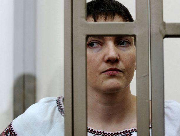 Nadezha Savtshenko on ollut vangittuna jo kesästä 2014 lähtien.