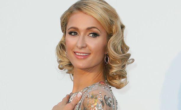 Paris Hilton kertoo käyttäneensä La Mer -luksusvoidetta kahdeksanvuotiaasta asti.