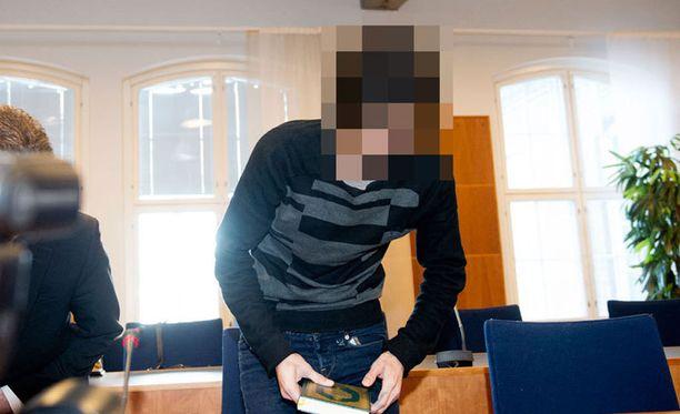 Sotarikoksesta tuomittu irakilaismies myönsi rikoksensa oikeudessa.
