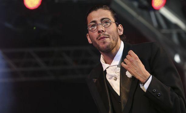 Salvador Sobral vetäytyi esiintymislavoilta syyskuussa odottamaan sydämensiirtoleikkausta.