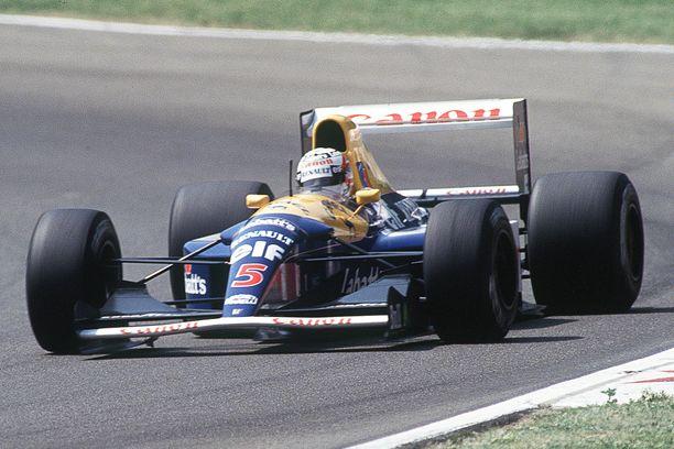 Nigel Mansell ajoi myynnissä olevalla autolla voittoon kauden 1992 viidessä ensimmäisessä GP:ssä.