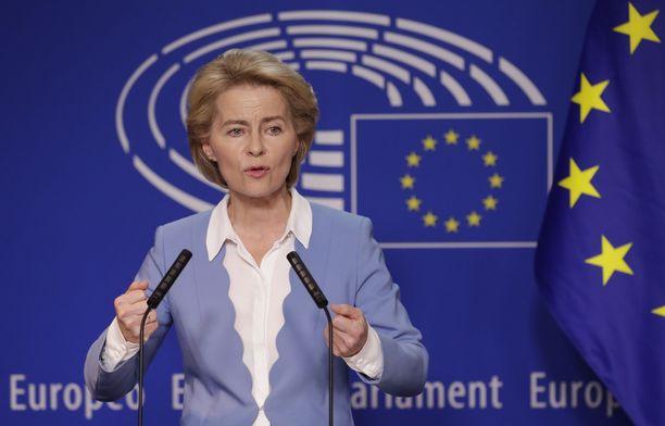 Saksan puolustusministeri Ursula von der Leyen (CDU/EPP) tarvitsee tiistaina vähintään 374 ääntä tullakseen valituksi EU-komission seuraavaksi puheenjohtajaksi.