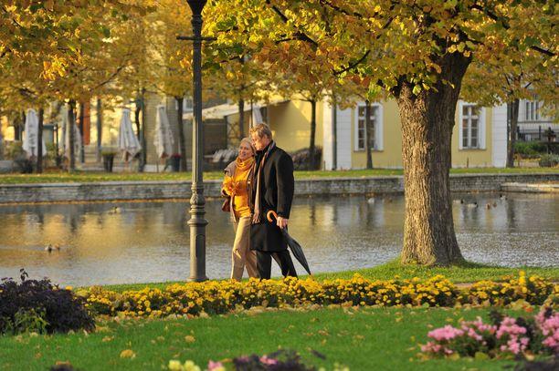 Kävelyllä Kardiorgin puistossa.