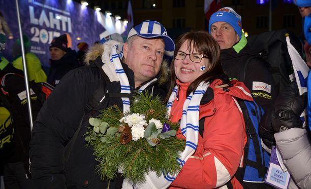 Krista Pärmäkosken vanhemmat Ari ja Kirsi Lähteenmäki todistivat tyttärensä suurta hetkeä.