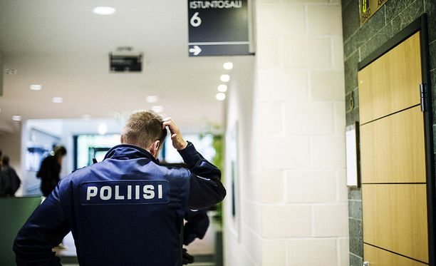 Poliisin sisäisiä tekstiviestejä on vuotanut kansalaisen tablettitietokoneeseen. Kuvituskuva.