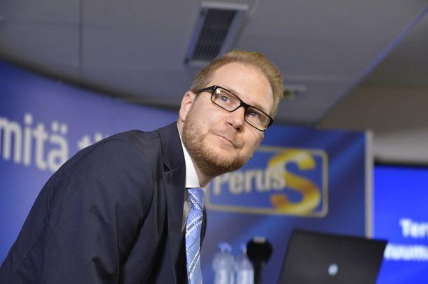 Perussuomalaisten kansanedustaja Olli Immonen esittää yhdenvertaisuusvaltuutetun määrärahojen rajua karsimista.