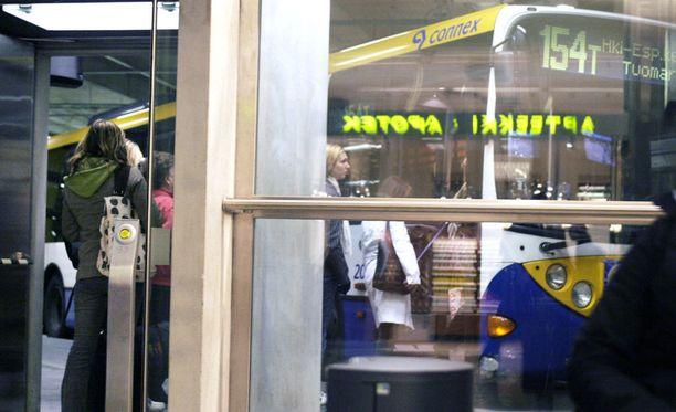 9-vuotiaan tytön Helsingin Kampin terminaalista alkanut bussimatka ei päättynyt onnellisesti. Kuvituskuva ei liity tapaukseen.