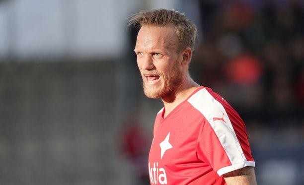 Mika Väyrynen kantaa HIFK:ta.