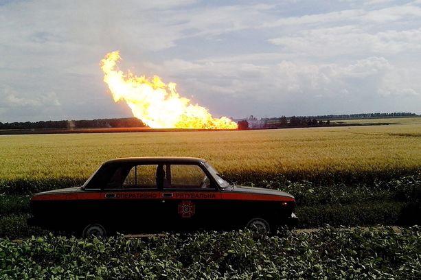 Ukrainalaisesta kaasuputkesta syöksyi liekkejä jopa 200 metrin korkeuteen.