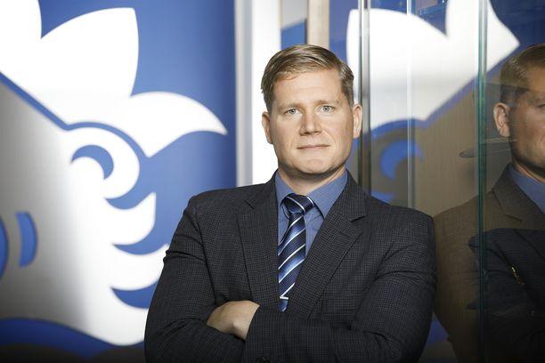 Suomen Poliisijärjestöjen Liiton (SPJL) puheenjohtaja Jonne Rinne on huolissaan poliisin luottamuksesta ja siitä, mihin sen rapautuminen voi johtaa.