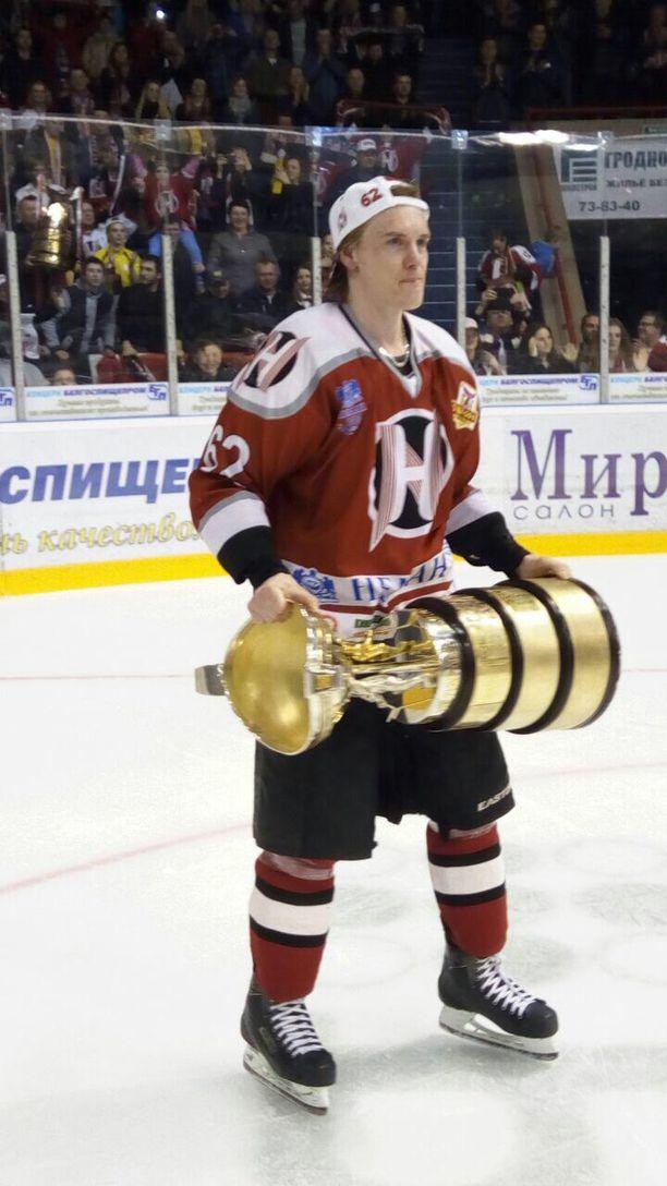 Keväällä 2017 Laakkonen voitti Valko-Venäjän mestaruuden. - Kausi ei päättynyt mestaruuteen. Joukkue sai mestaruudesta viikon loman, Laakkonen muistelee.