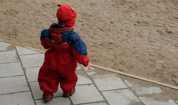 Lain mukaan jokaisella lapsiperheellä olisi oikeus saada kotipalveluja, jos he niitä tarvitsevat.