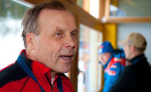 Jarmo Punkkinen on Suomen parhaita luisteluhiihdon asiantuntijoita.