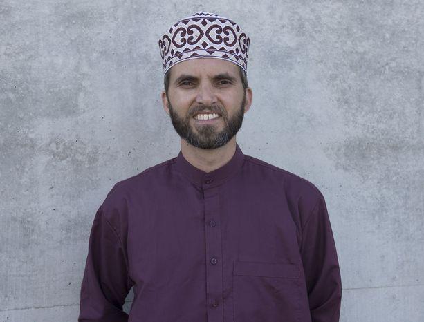 Imaami Ludovic-Mohamed Zahed perusti Pariisiin moskeijan, jonne pääsevät myös seksuaalivähemmistöihin kuuluvat ihmiset.