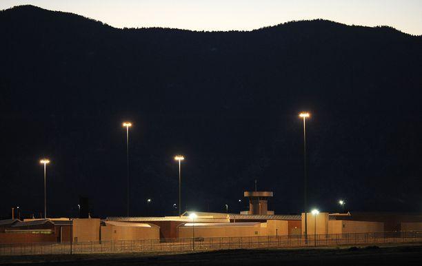 Florencen vankilaan astelevat vangit näkevät ennen sisäänmenoa kauniin maiseman Kalliovuorille. Joillekin se on viimeinen kerta.