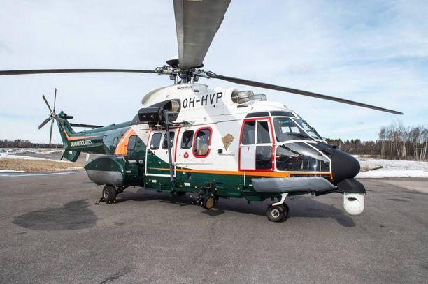 Rajavartiolaitoksen kopteri kutsuttiin lauantain ja sunnuntain välisenä yönä etsimään sairaalasta kadonnut potilasta. Kuvassa uuden mallin Super Puma.