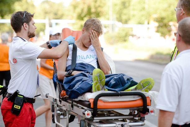 Katsojat säikähtivät Aku Partasen romahtamista Berliinin EM-kilpailujen 50 kilometrin matkalla.