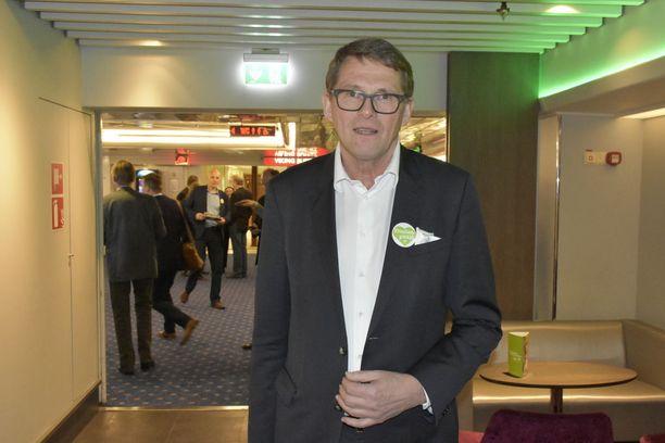 Keskustan kuntavaaliristeilyllä viikonloppuna ollut presidenttiehdokas Matti Vanhanen uskoo, että Juha Sipilä päihittää SDP:n puheenjohtajan Antti Rinteen pääministerivaaleissa.