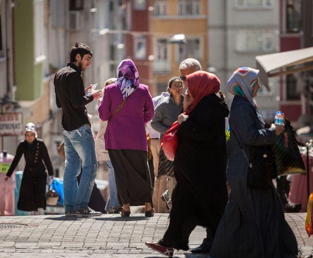 Erdpoganin Turkissa on tiukennettu suhtautumistaan naisten asemaan. Kuvituskuva.