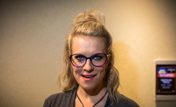Laura Voutilainen vapautti sisäisen pantterinsa Vain elämää -lavalla.