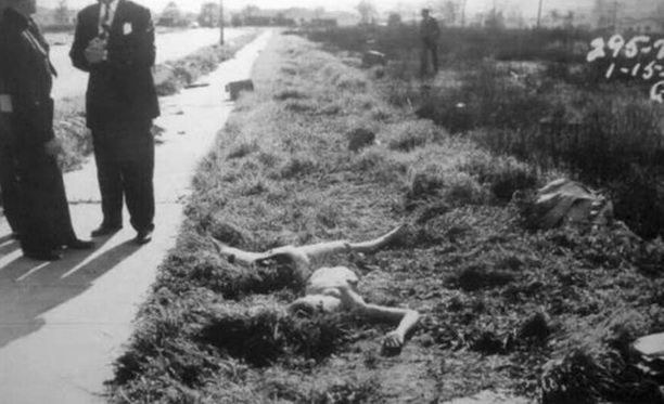 Ruumis löytyi alastomana kahteen osaan katkaistuna.