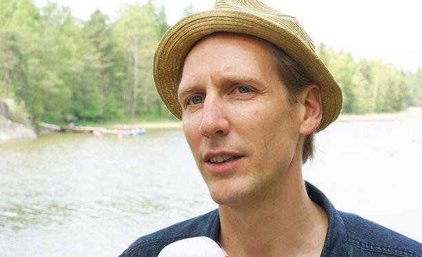 Pekka Strang käsitteli kaksostensa kohtukuolemaa vasta seitsemän vuotta myöhemmin.