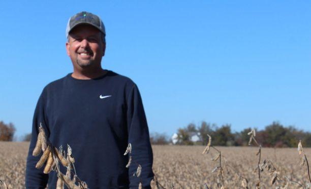 Kentuckylainen maanviljelijä Davie Stevens on huolissaan kauppasodan vaikutuksista hänen maatilansa tuloihin.