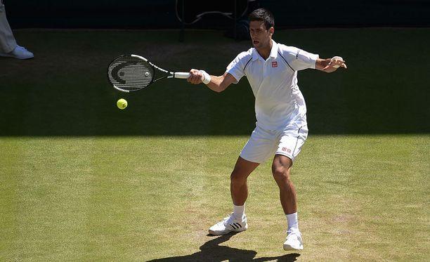 Novak Djokovic puolustaa Wimbledonin mestaruutta ensi sunnuntaina pelattavassa finaalissa.