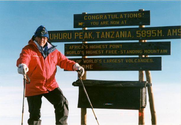 Mikko Alatalo saavutti Afrikan korkeimman vuoren Tansaniassa vuonna 1999.