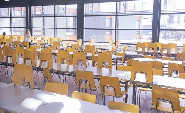 Moni koulu tyhjeni maaliskuussa.