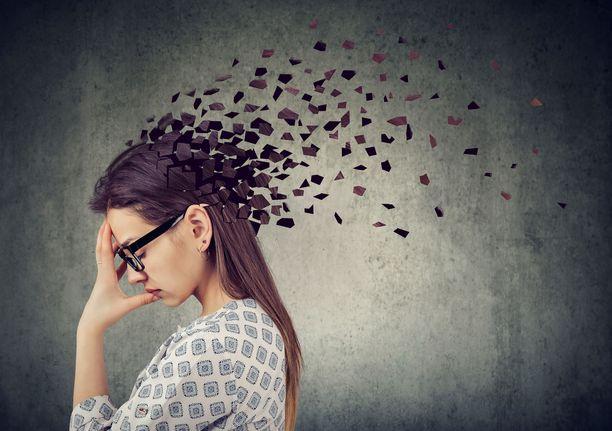 Muistihäiriöt ovat yksi B12-vitamiinin puutosoireista.