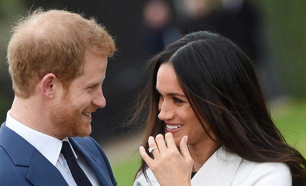 Prinssi Harryn suunnittelema sormus on täynnä symboliikkaa.