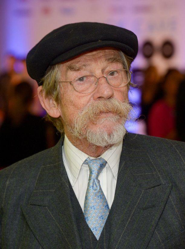John Hurt sai hiljattain ritarin arvon kuningatar Elisabethilta. Hänen tunnetuin roolinsa lienee klassikkoelokuvasta Alien – kahdeksas matkustaja.