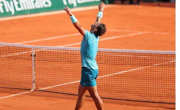 Rafael Nadalilla riitti aihetta tuulettamiseen myös välierässä.