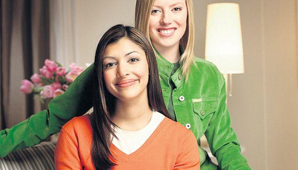 – Wonderful, so beautiful, huokailevat Hannah (vas.) ja Maura.