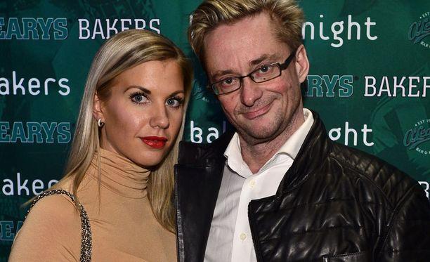 Emilia Poikkeus ja Mikael Jungner viettivät vastikään suhteensa vuosipäivää.