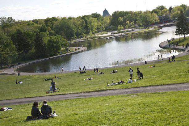 Parc Mont Royal on suosittu piknik-paikka.