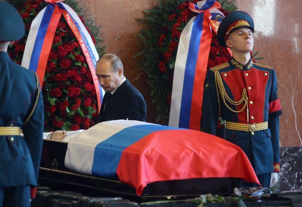 Myös presidentti Vladimir Putin jätti jäähyväiset maailmankuululle miehelle.