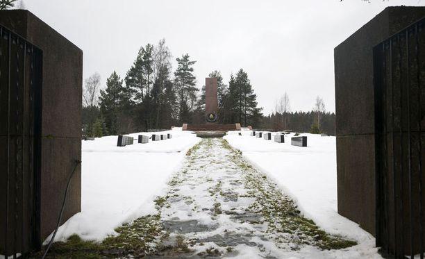 Kolsarbyn venäläinen hautausmaa.