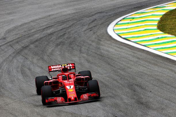 Kimi Räikkönen ajaa São Paulossa toiseksi viimeisen Ferrari-kisansa.