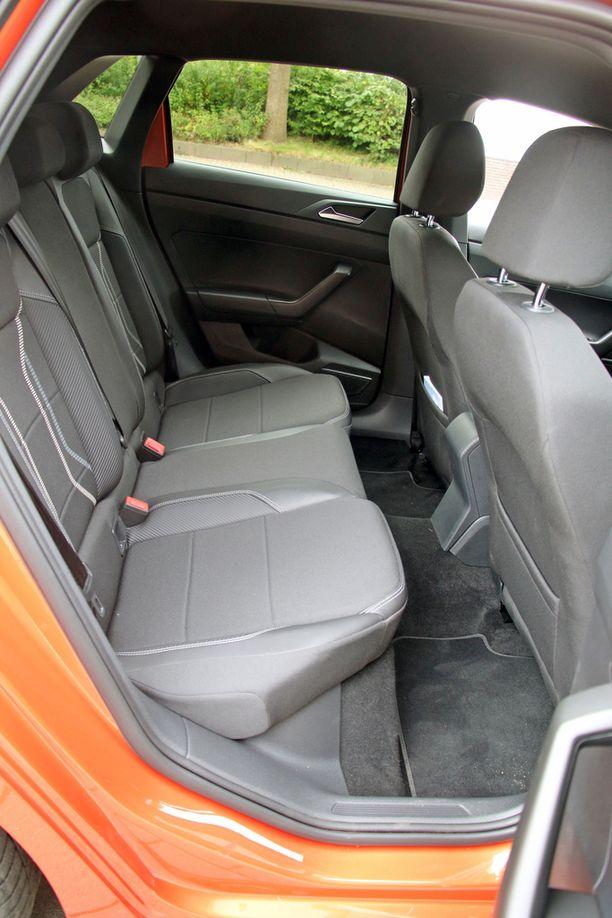 VW Polon, Seat Ibizan ja Seat Aronan keskipaikalle ei kannata sijoittaa matkustajaa ennenkuin turvavyöongelma ratkeaa.