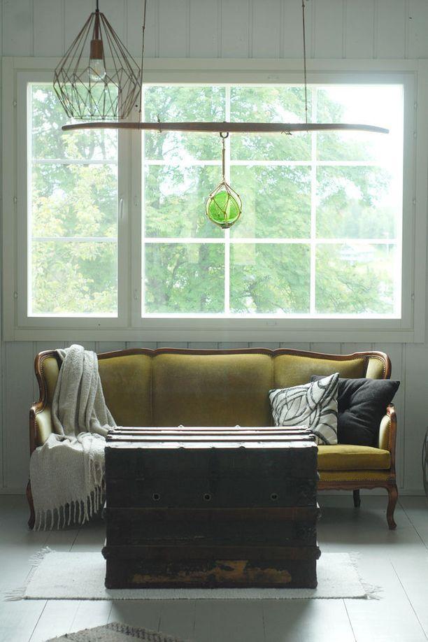 Asunnon sisätiloissa on kunnioitettu vanhaa, ja sisustuksesta löytyy hurmaavia yksityiskohtia.