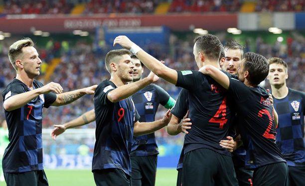 Kroatia juhli voittomaalia aivan ottelun lopussa.