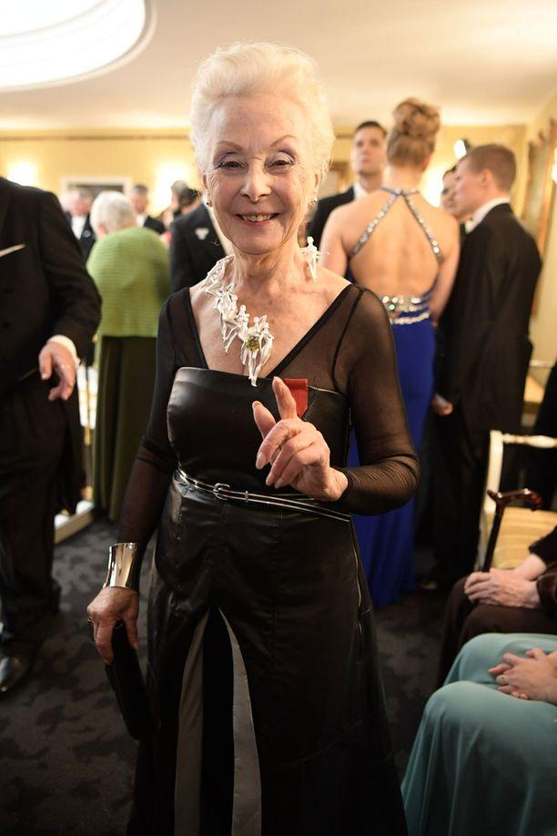 Seela Sellan veistoksellinen kaulakoru oli paitsi täydellisesti moderniin pukuun sopiva, myös ajankohtainen.