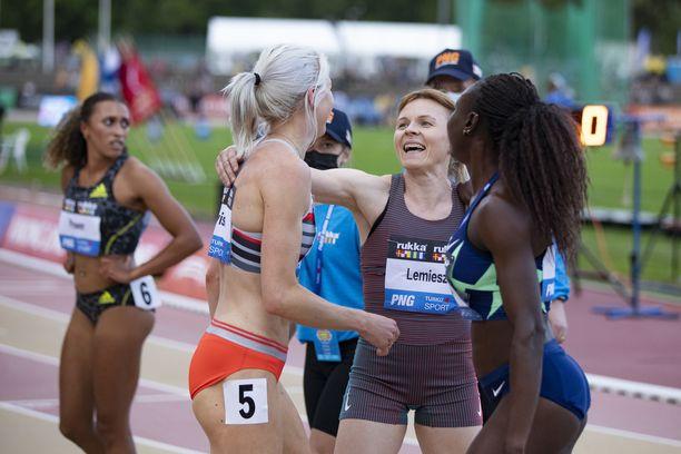 Sara Kuivisto juoksi maanantaina ennätyksensä, mutta kisaohjelma oli paljon vaisumpi kuin tiistaina.