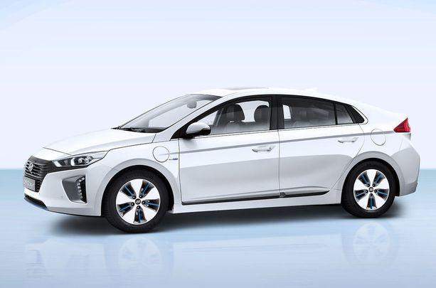 Hyundai Ionic-Plug In Hybridillä pääsi reilusti yli 50 kilometriä yhdellä latauksella.