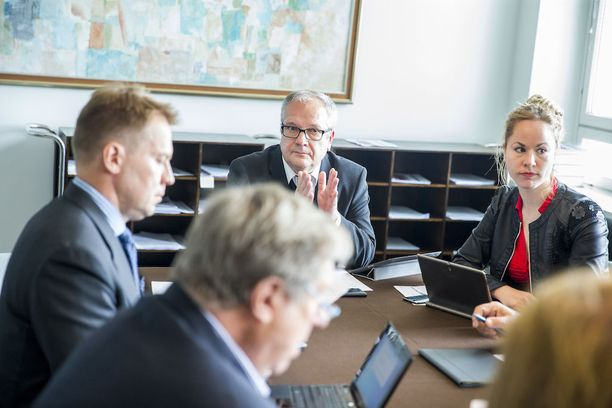Turunen on johtanut eduskunnan talousvaliokuntaa kesäkuusta 2015.